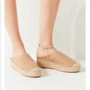 Urban Outfitters I Laura Espadrille Mule sz 10